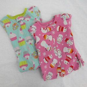 👶 Set of 2 Carters footsie toddler girl pajamas